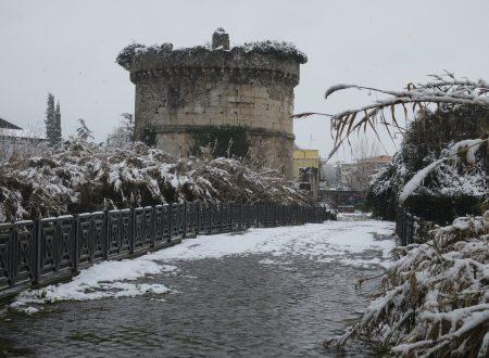 Neve su Ponte Lucano e sul Lago di Favale